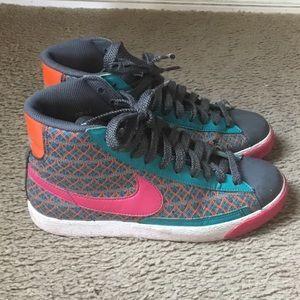 Rare Cool funky Nike blazers sz 8.5 women's